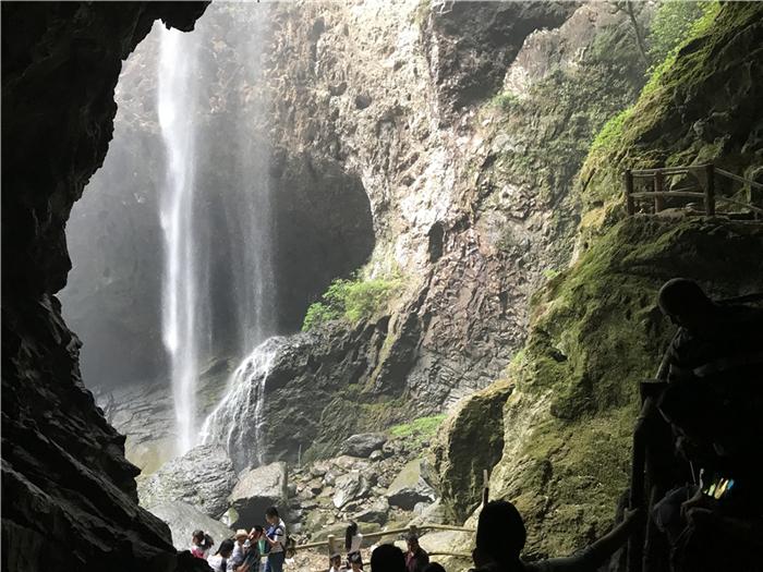 永泰百漈沟天坑瀑布