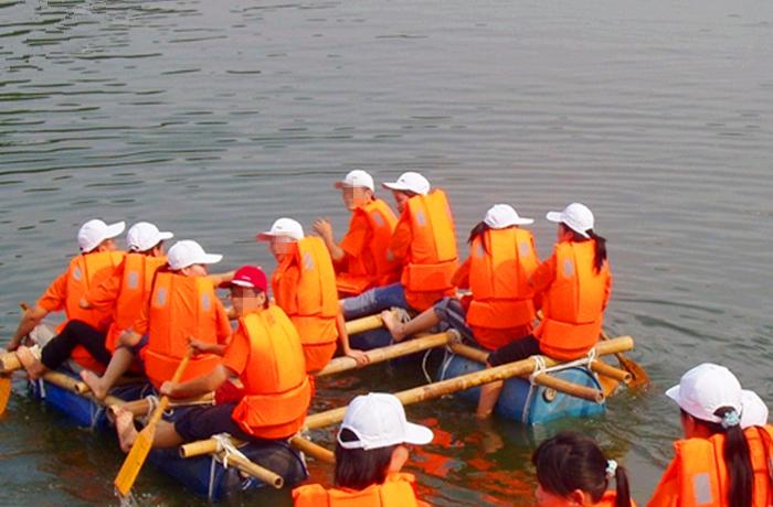 团建-扎筏泅渡