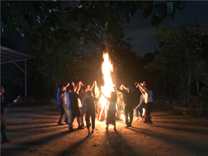 拓展-篝火晚会
