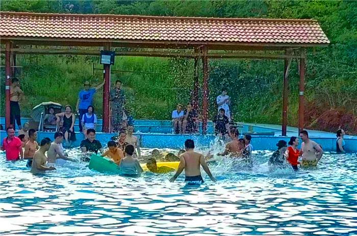 永泰幸福庄园泳池活动